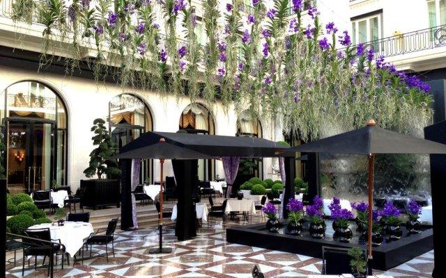 Отель Four Seasons George V Paris