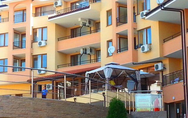 Апартаменты Menada Paradise Dream Apartment вид на фасад