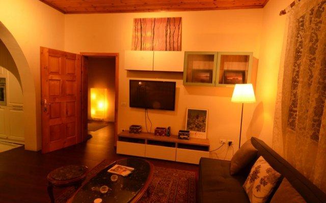 Отель Villa Berberi Албания, Тирана - отзывы, цены и фото номеров - забронировать отель Villa Berberi онлайн комната для гостей