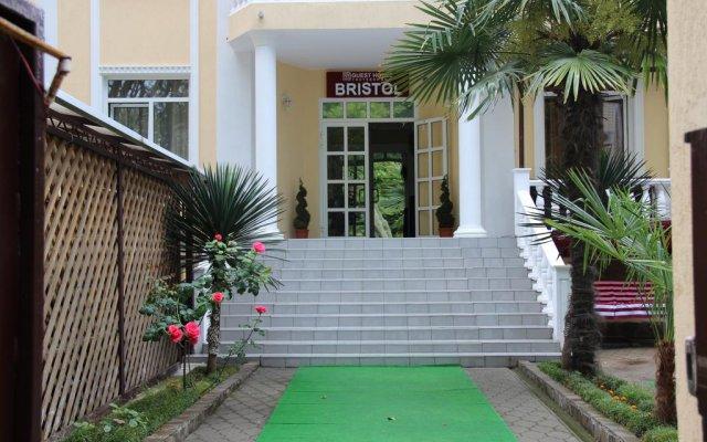Гостиница Guest house Bristol вид на фасад