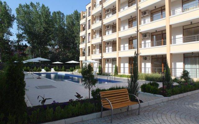 Отель Saint Elena Apartcomplex бассейн