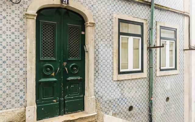Отель Love Lisbon DownTown вид на фасад