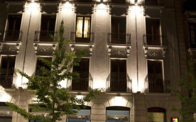 Habitat Suites Gran Vía 17 Hotel вид на фасад