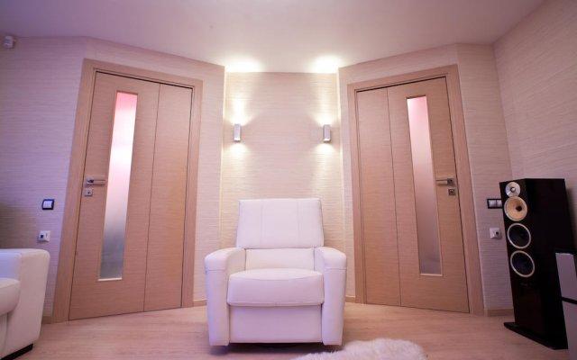 Апартаменты Grandvill Apartments on Karla Marksa Мурманск комната для гостей