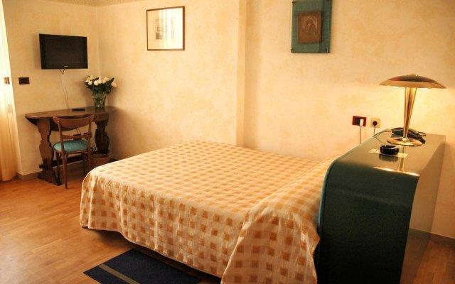 Отель Napoleon Италия, Римини - отзывы, цены и фото номеров - забронировать отель Napoleon онлайн комната для гостей