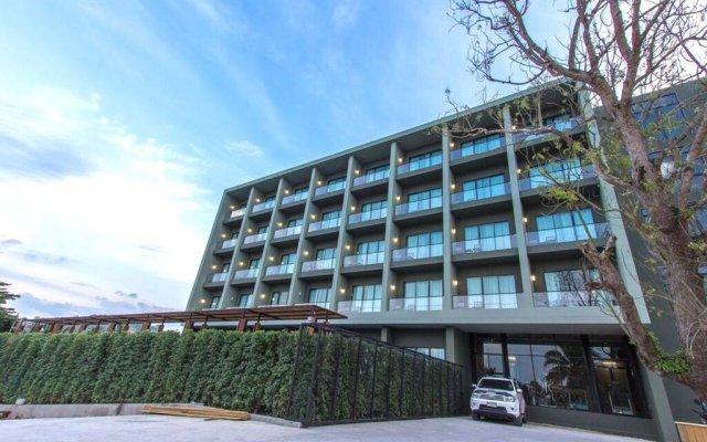 Отель Marina Express-AVIATOR-Phuket Airport парковка
