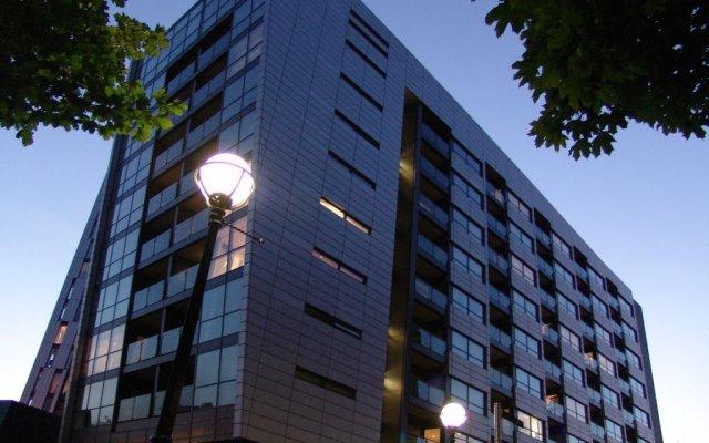 Апартаменты Quay Apartments Солфорд вид на фасад