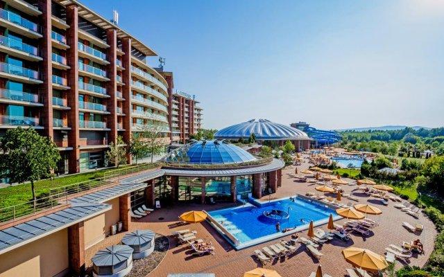 Отель Aquaworld Resort Budapest бассейн