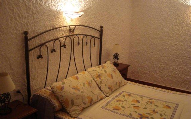 Отель Cuevas de Medinaceli комната для гостей
