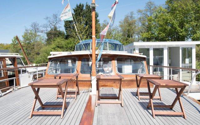 Отель Authentic Houseboats Amsterdam Нидерланды, Амстердам - отзывы, цены и фото номеров - забронировать отель Authentic Houseboats Amsterdam онлайн приотельная территория