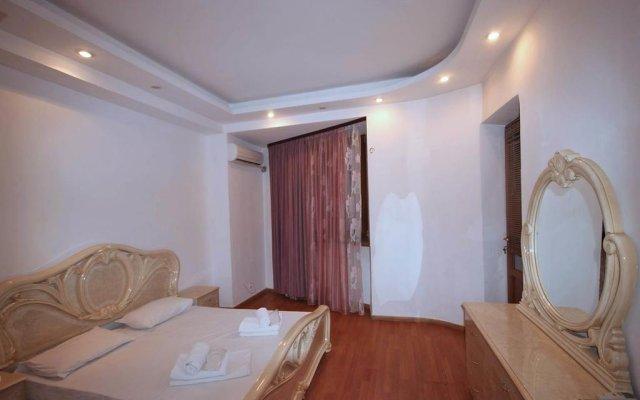 Отель Rent in Yerevan - Apartments on Ekmalyan Street Армения, Ереван - отзывы, цены и фото номеров - забронировать отель Rent in Yerevan - Apartments on Ekmalyan Street онлайн комната для гостей