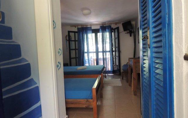 Отель Kalamitsi Studios комната для гостей