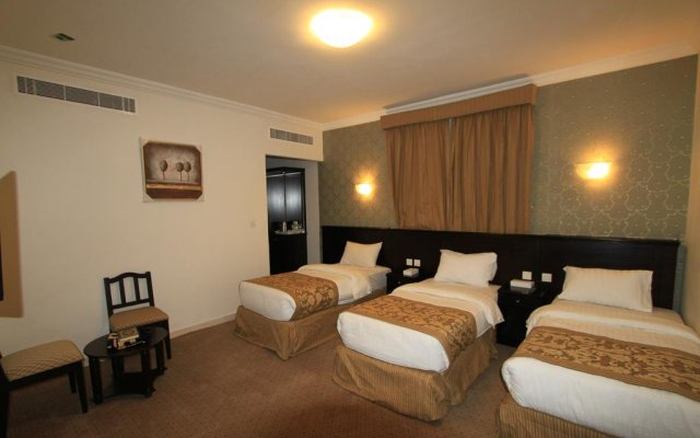 Отель Al Riffa Al Azizia комната для гостей