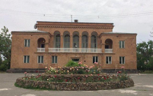 Отель Health Resort Arzni 1 вид на фасад