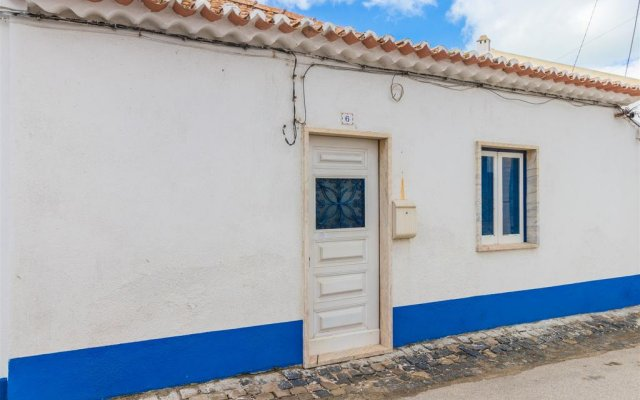 Отель Home in Ericeira вид на фасад