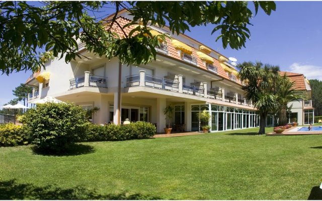 Hotel Spa Atlantico вид на фасад