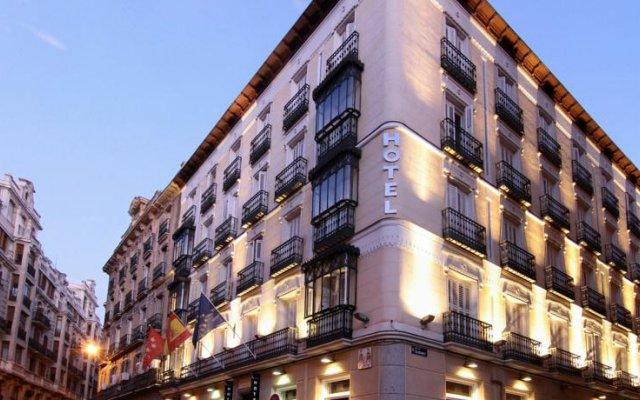 Отель Lusso Infantas вид на фасад