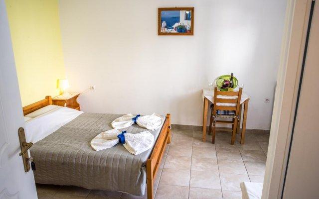 Отель Studio Maria Kafouros Греция, Остров Санторини - отзывы, цены и фото номеров - забронировать отель Studio Maria Kafouros онлайн комната для гостей