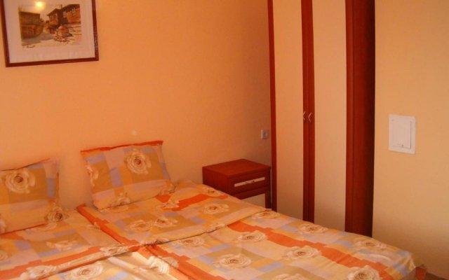 Отель Komitovy Guest House Равда комната для гостей