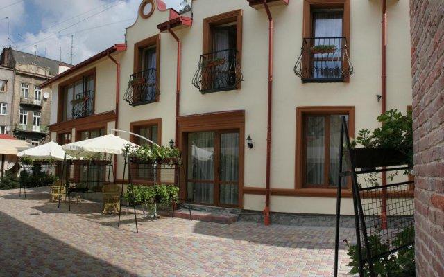 Гостиница Leotel вид на фасад