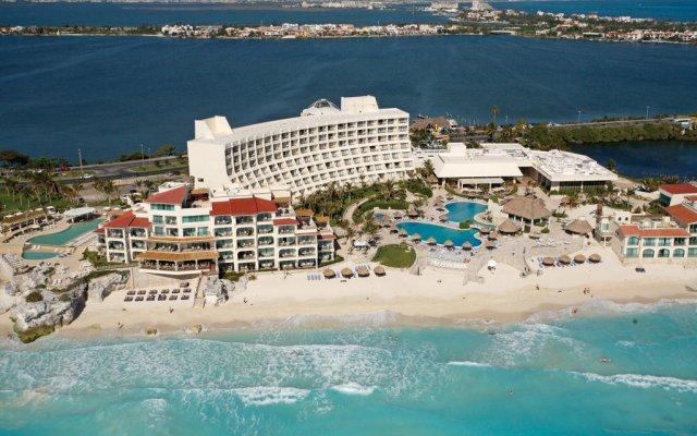 Отель Grand Park Royal Luxury Resort Cancun Caribe Мексика, Канкун - 3 отзыва об отеле, цены и фото номеров - забронировать отель Grand Park Royal Luxury Resort Cancun Caribe онлайн пляж