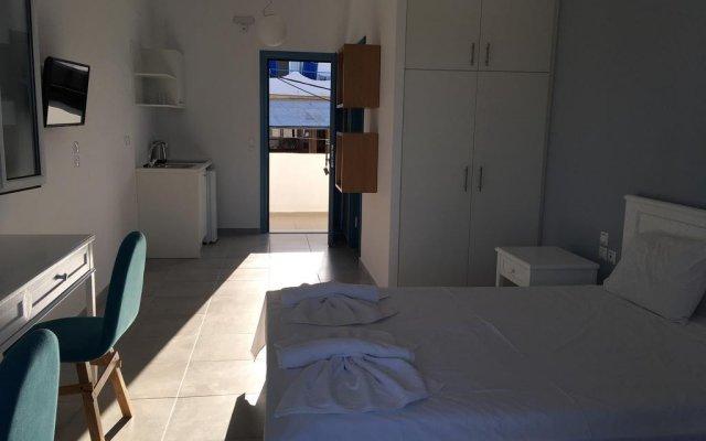 Отель Studios Meltemi комната для гостей