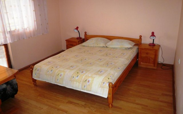 Отель Holiday Home Mechta Боженци комната для гостей