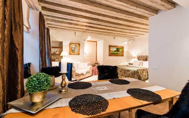 Отель Rataskaevu Residence by OldHouse Apartments Эстония, Таллин - отзывы, цены и фото номеров - забронировать отель Rataskaevu Residence by OldHouse Apartments онлайн комната для гостей