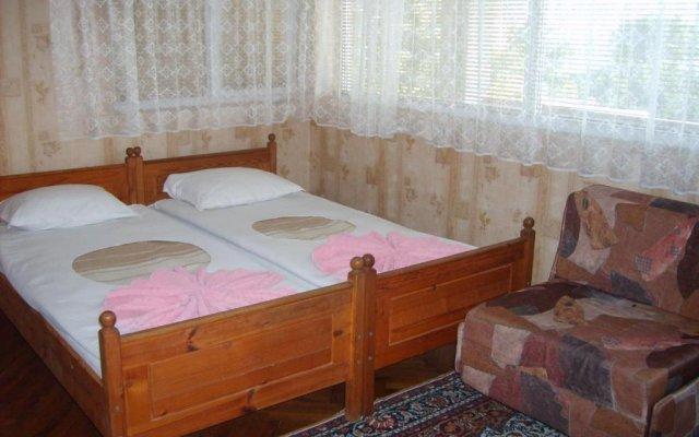 Отель Ovcharovi Guest House Балчик комната для гостей
