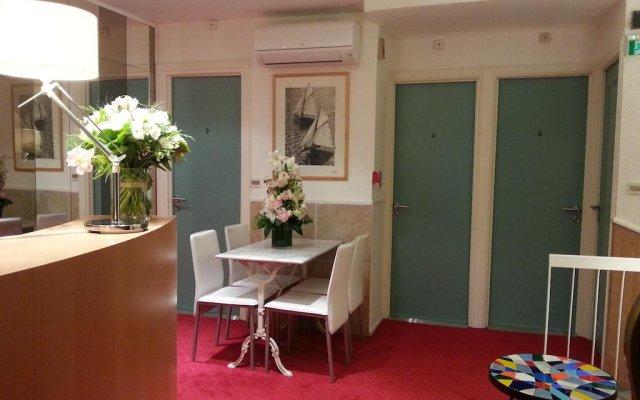 Azurene Royal Hotel 0