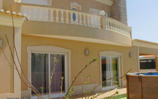 Отель Vivenda Golfinho Sagres вид на фасад