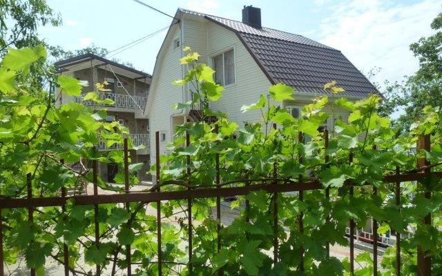 Гостевой Дом Дубовая Роща вид на фасад