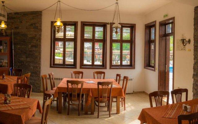Отель Alexandrov's Houses Болгария, Ардино - отзывы, цены и фото номеров - забронировать отель Alexandrov's Houses онлайн питание
