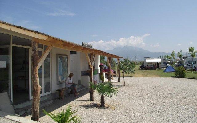 Отель Lake Shkodra Resort парковка