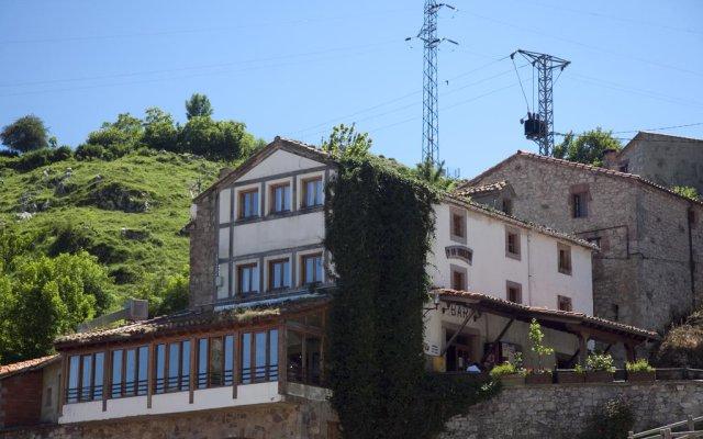 Отель Taberna de Tresviso вид на фасад
