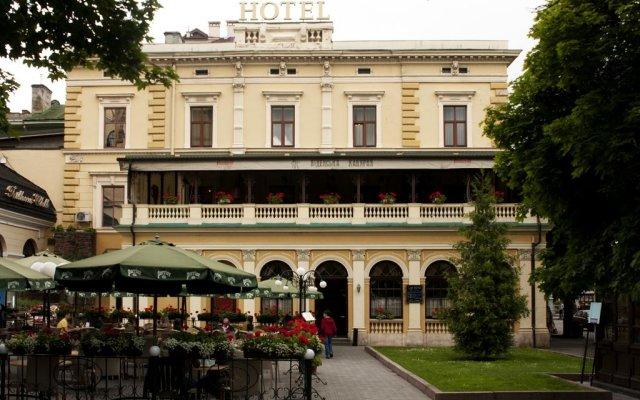 Гостиница Вена вид на фасад