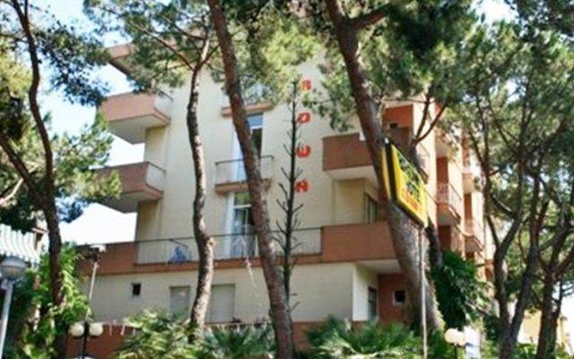 Отель Residence Brown Римини вид на фасад
