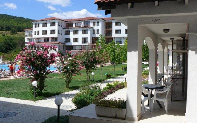 Отель Harmony Hills Residence Болгария, Балчик - отзывы, цены и фото номеров - забронировать отель Harmony Hills Residence онлайн вид на фасад