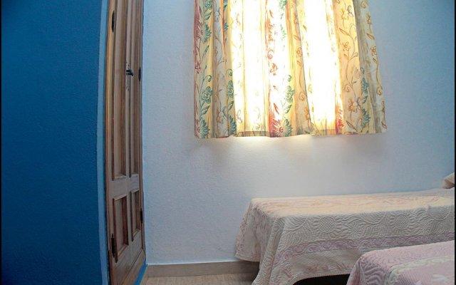 Отель Chalet Bungalow La Roa Испания, Кониль-де-ла-Фронтера - отзывы, цены и фото номеров - забронировать отель Chalet Bungalow La Roa онлайн комната для гостей