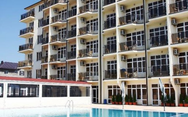 Гостиница Ателика Гранд Меридиан бассейн