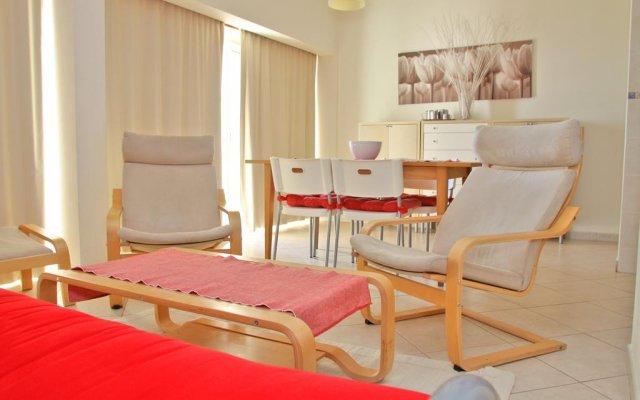 Отель Apartamentos Rocha Praia Mar Португалия, Портимао - отзывы, цены и фото номеров - забронировать отель Apartamentos Rocha Praia Mar онлайн комната для гостей