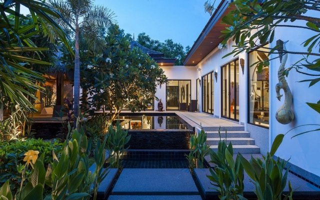 Отель BYG Private Pool Villa @ Layan Beach вид на фасад