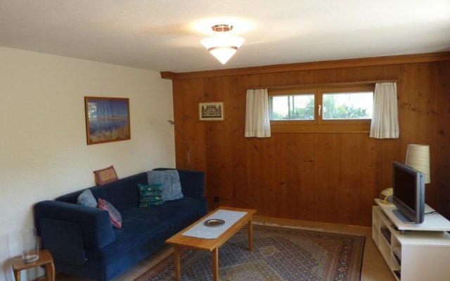 Отель Chalet Aebnetbode комната для гостей