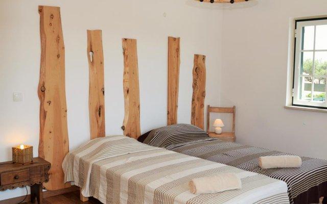 Отель Roots Guesthouse комната для гостей
