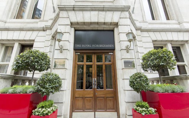 Отель The Royal Horseguards вид на фасад