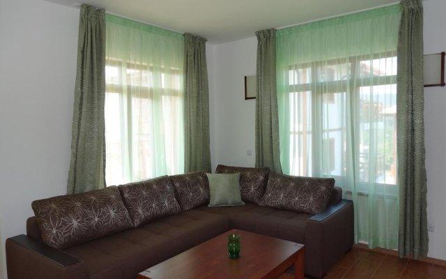 Отель Guest House Ivanini Houses Боженци комната для гостей