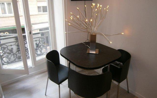 Отель Appartements Bellecour - Lyon Cocoon Франция, Лион - отзывы, цены и фото номеров - забронировать отель Appartements Bellecour - Lyon Cocoon онлайн комната для гостей