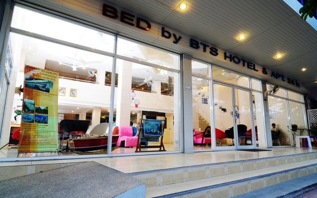 Отель Bed By Tha-Pra вид на фасад