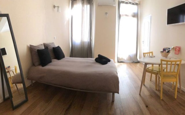 Отель Appartement Magnifique - Vieux Nice Франция, Ницца - отзывы, цены и фото номеров - забронировать отель Appartement Magnifique - Vieux Nice онлайн комната для гостей