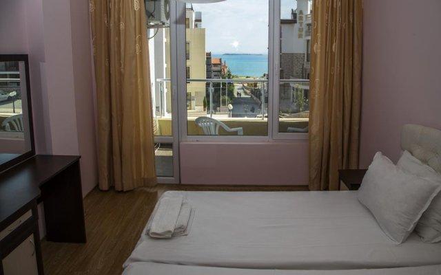 Апартаменты Anthoni Apartments комната для гостей